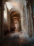 Um dos corredores da catedral.