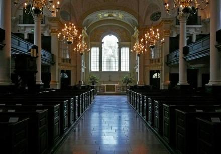 Interior da igreja. (Foto: Brett Jordan - Creative Commons)